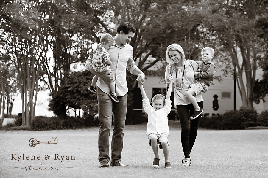 The Kleman Family Portrait Session   Kleman Plaza, Tallahassee Florida